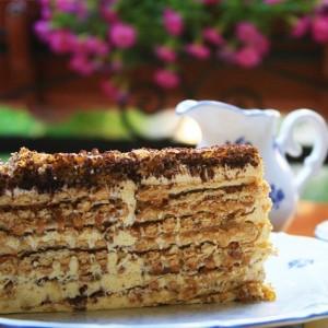 biskvitena_torta